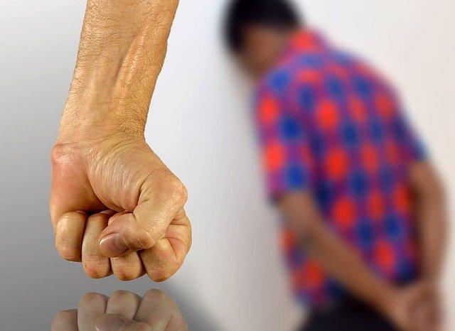 Gaslighting – Przemoc wbiałych rękawiczkach
